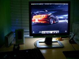 My Desktop at night by 3xhumed