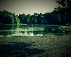 Lake Froggy by RKv15