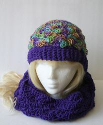 Hat and cowl crochet by DarkRaven17