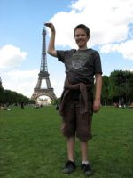 Eiffel Tower by 4-toes