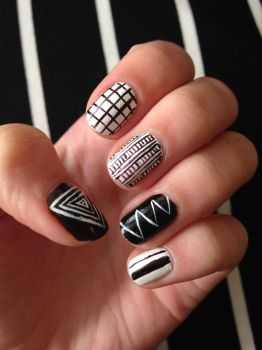 Black and White Nail Art (2) by xRixt