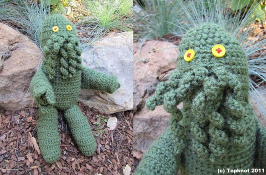 Cthulhu Plushie by Capt-Topknot
