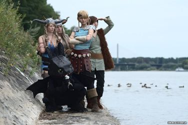 HTTYD - together we are strong by MikiyoOo