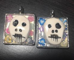 Skull Charms by mintdawn
