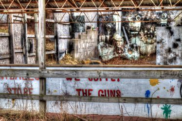 Abandoned Fun Center, Irish Hills, MI by aamarypaige98