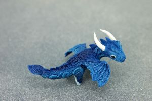 Little baby dragon by hontor