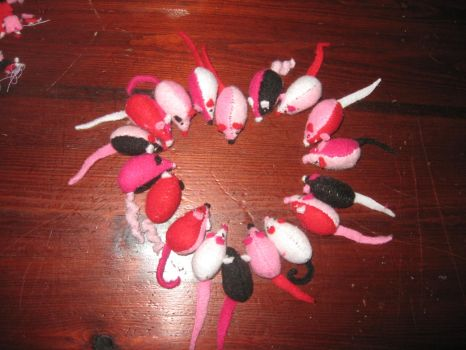 Mixed Valentine mice by RNuclearCookies