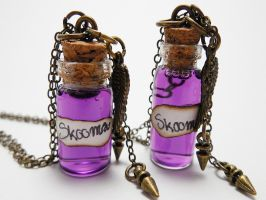 Skyrim Under the Influence: Skooma Necklace by LadyMudkip