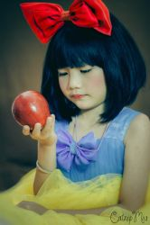 Little Snow White by hatechuu
