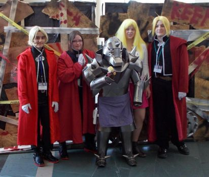 Fullmetal Alchemist group with Alphonse Elric by DailyCosplay