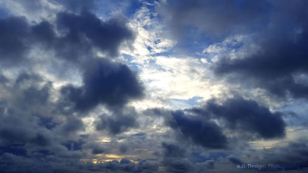 Clouds 1 by kyofanatic1