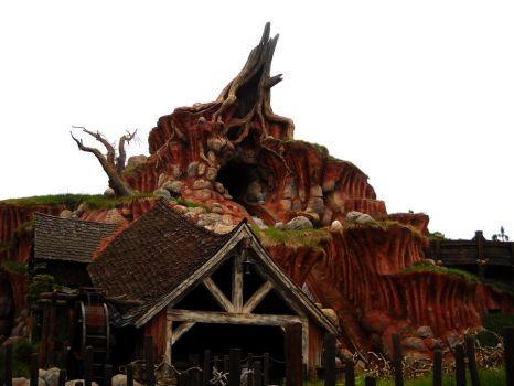 Splash Mountain by Remedyxisxcoming