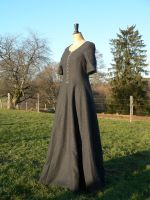 Kitty's Kirtle by Janes-Wardrobe