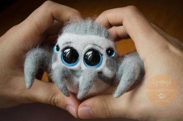 Cute Jumping Spider Needle Felting by Lyntoys