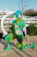Tira - green feathers by ThelemaTherion