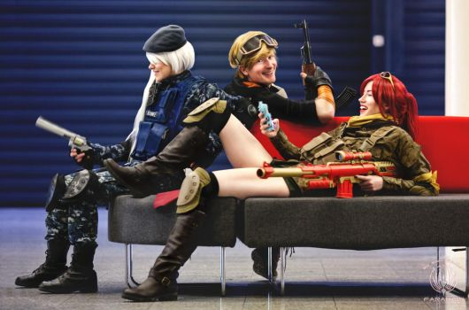 Couch Time - RWBY Battlefield Cosplay by faramon
