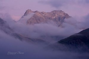 Twilight's clouds... by vincentfavre