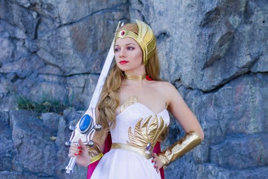 She-Ra: Princess of Power by lilly-anne25