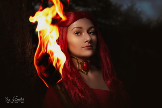 Melisandre cosplay - Power of fire by TynaCosplay