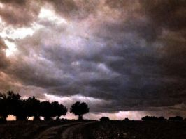 Stormy sunset by cris2236