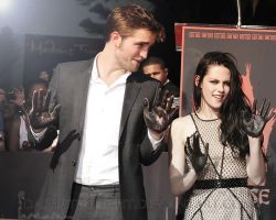 Rob and Kristen on Footprint ceremony by DashaTwilight