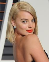 Margot Robbie makes you crazy for her... by Swagsurfer