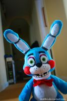 Five Nights At Freddy's - Toy Bonnie by roobbo