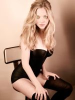 Amanda Seyfried Awaits Master's Commands by hypnospects