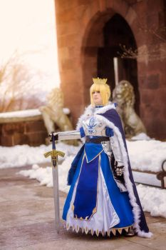 Authuria Pendragon Saber - March Shoot 3 by IchigeiCosplay
