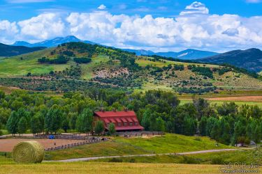 A Barn In Steamboat by kkart