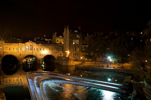 Pultney Bridge at Night by lars-bath