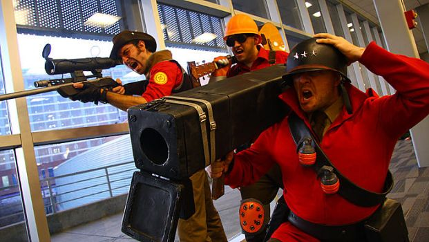 Team fortress 2 group cosplay Ohayocon 2012 by Swoz