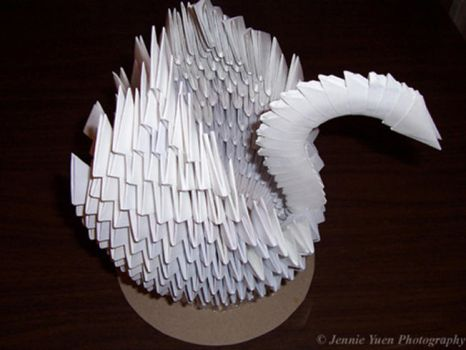 Origami Swan by sweetcivic