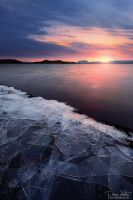 Ice sheets on the shore by LinsenSchuss