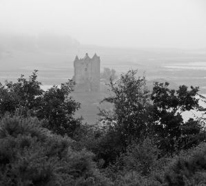 Castle Stalker in the mist by piglet365