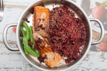 Grilled salmon with quinoa by patchow