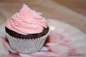 The pink cupcake by VictoriaTART
