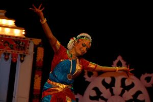 Indian Dance VII by esee