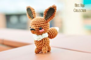 Eevee by MissBajoCollection