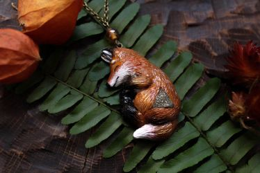 Autumn Fox Necklace by Lavenderwitch