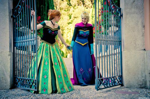Elsa and Anna- We'll laugh and talk all evening by TanyaReel22