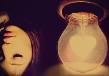 heart-shaped bulb by xMissTake