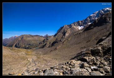 Sulzenauferner - looking down to the Blaue Lacke by stetre76