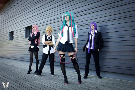 Miku Hatsune - Unhappy Refrain by black---butterfly