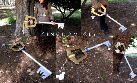 Kingdom Key - 1:1 Wood replica by MithriLady