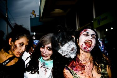 zombies by lagaby