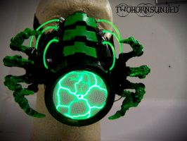 ''The Facehugger'' Cybernetic alien gas mask by TwoHornsUnited
