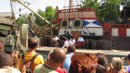 pirates show at garland 2 by solstiziodinverno