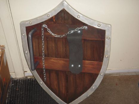 hylian shield - back finished (well, technically) by mnementh2000