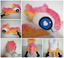Trade: Chibi Iven the Jolle Raptor Plush by Sanguinem-Luna